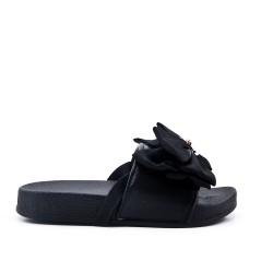 Zapatilla de niña negra con lazo