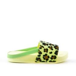 Claquette fille jaune en simili cuir imprimé léopard