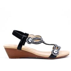 Sandalia de cuña negra con diamantes de imitación