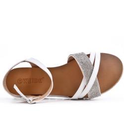 Sandalia blanco confort con pedreria