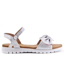 Sandalia confort plata con lazo