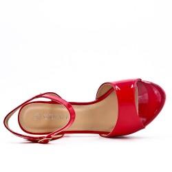 Sandalia rojo en barniz