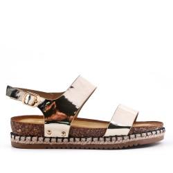 Sandale dorée en vernis à semelle confort