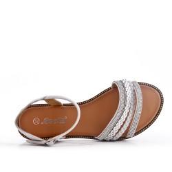 Sandalia plana gris con brida trenzada