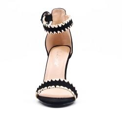 Sandalia de gamuza negra de imitación
