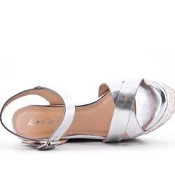 Sandalia cuña imitación cuero plata