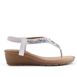 Sandale blanche ornée de strass à petit compensé