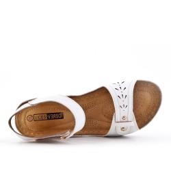 Sandale blanche à petit compensé