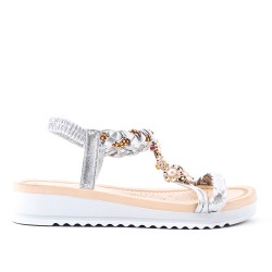 Silver flat sandal with braided flange