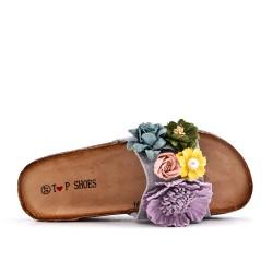 Aleta gris en gamuza sintética con flor
