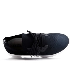 Zapatilla negra en tejido con cordones