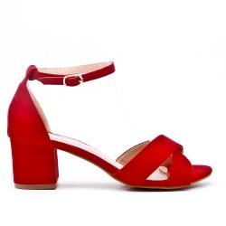 Sandale rouge à petit talon carré