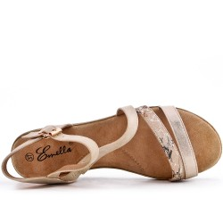 Sandalia plana beige en piel sintética