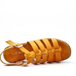 Sandale jaune à gros talon avec plateforme