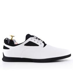 Chaussure blanche à lacet