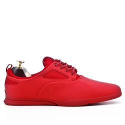 Chaussure rouge à lacet